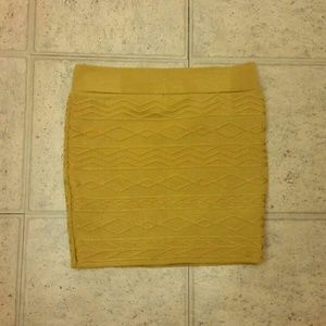 BNWT mustard skirt