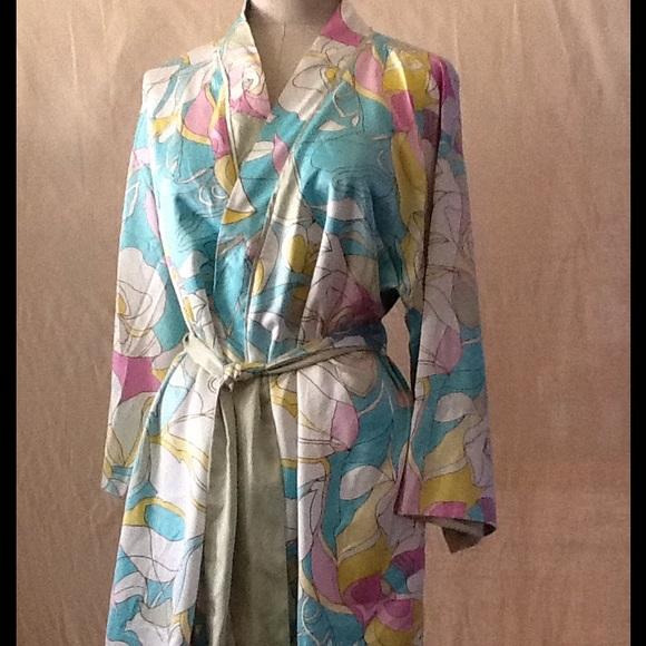Cruz Natori Intimates & Sleepwear | Silky Robe | Poshmark