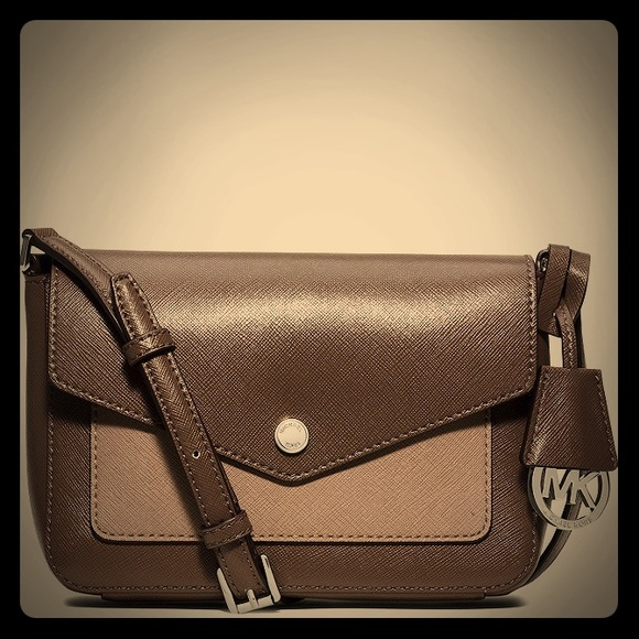 90efa36c8237 MICHAEL Michael Kors Bags | Hp Nwt Michael Kors Greenwich Crossbody ...