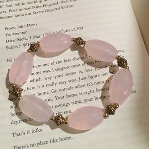 Avon NIB Bold Beaded Stretch Bracelet