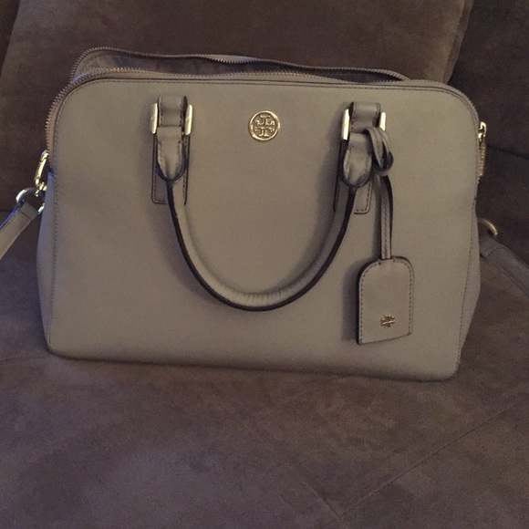 1184b3867dc1 Authentic Tory Burch Grey Robinson Purse. M 5632b211620ff75e02003ace