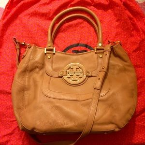 Tory Burch Amanda Hobo --SOLD--
