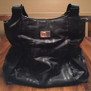 88 off cinda b handbags cinda b diaper bag from hannah 39 s closet on poshmark. Black Bedroom Furniture Sets. Home Design Ideas