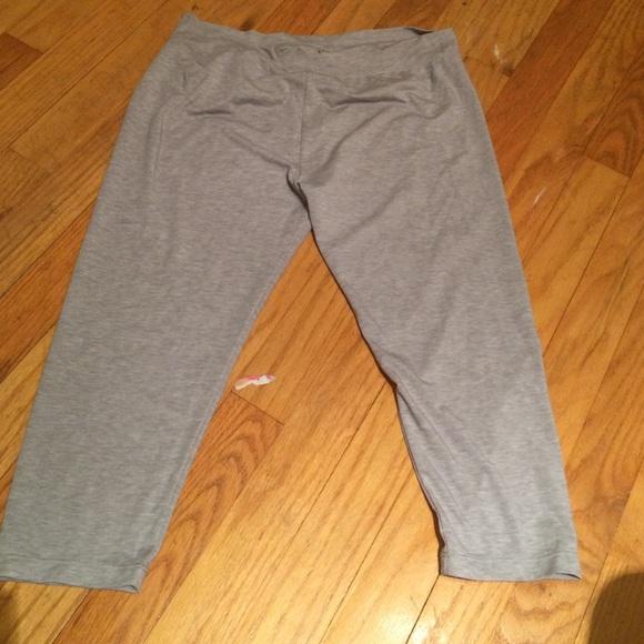 Cuddleduds Pants - Cuddleduds tag less Capri leggings
