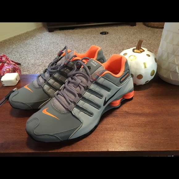 separation shoes a8eae 0c944 Men s Nike Shox (grey, black and orange)