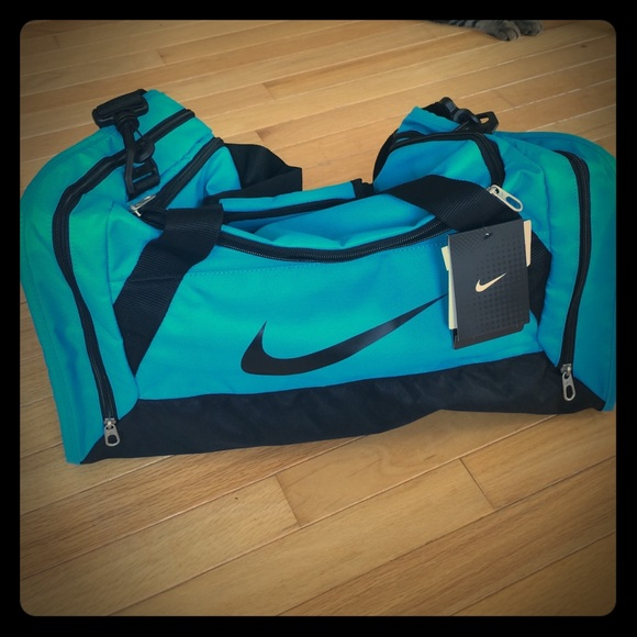 Light blue turquoise Nike gym bag. NEW! 90a211231