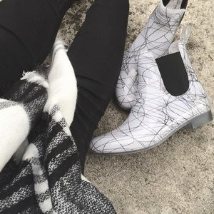 French Connection Shoes - French Connection White/Blk Rubber Ankle Boots
