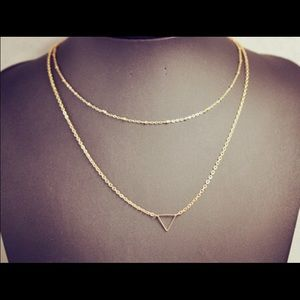 DELICATE Gold layer necklace with triangle pendant