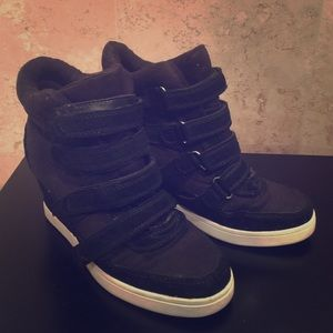 ALDO black suede wedge sneakers