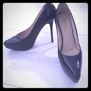 Black patent YSL pumps