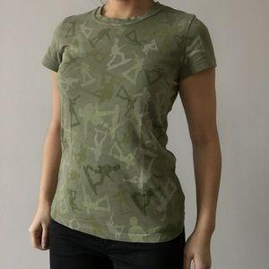 Tops - Army camo green short sleeve T-shirt