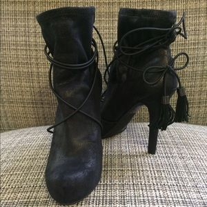 NEW BCBGeneration black bootie 5 1/2
