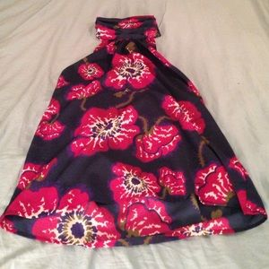 Tucker by target tank with hi neckline gorgeous