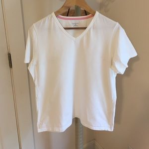 Basic white tee. Lands End. Size M