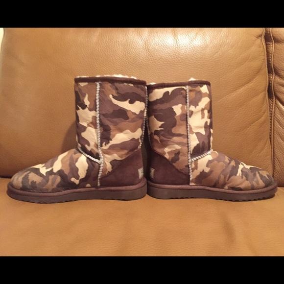 UGG Australia Short Camouflage Boots