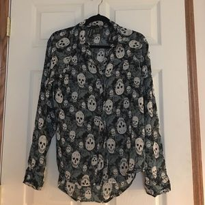 Sheer blouse with skulls
