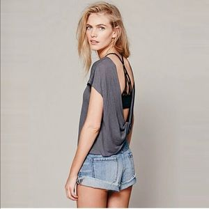 Loose Twisted-Open-Back Gray Shirt Sleeved T-Shirt