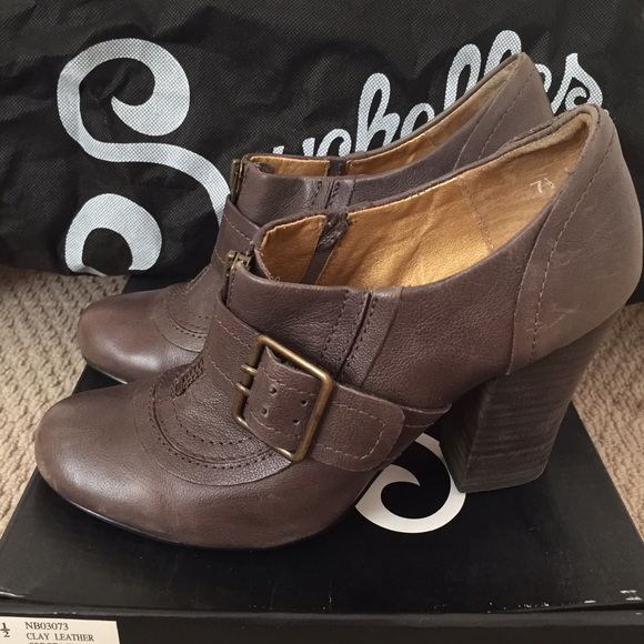 Seychelles Shoes - Seychelles Clay leather Spectacle Bootie, size 7.5
