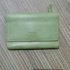 Fossil Green Leather Large Wallet Authentic EUC