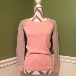 • Light Pink & Taupe Colorblock Sweater •