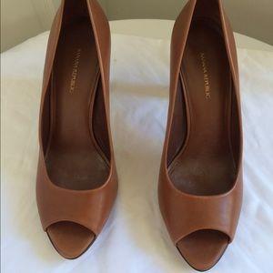 Banana Republic tan leather peep toe pumps