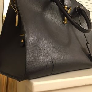 25% off Yves Saint Laurent Handbags - Yves Saint Laurent Ligne Y ...