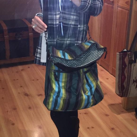 f7f1481883 Dakine Handbags - AUTHENTIC Dakine crossbody/shoulder bag