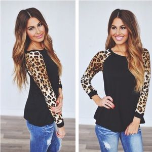 SALE💕Black Leopard Sleeve Comfy Chic Top