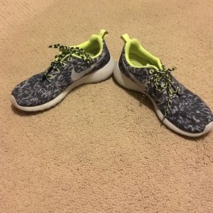 new product 0809d 1e7cb Nike Shoes - Neon green and grey leopard print Nike roshe