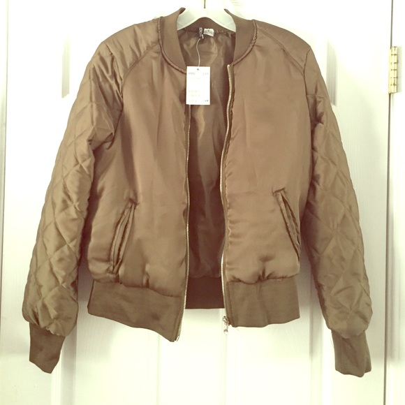 283e7c9a5 H&M Quilted Bomber Jacket Boutique
