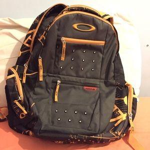 Oakley Arsenal Backpack-Grey/Orange