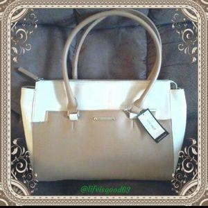 Handbag Nine West 🍀Price Drop 🍀