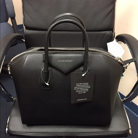 dd7b4d7074e Not for Sale..Givenchy Antigona Medium NWT