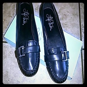 Beautiful black life stride  shoes