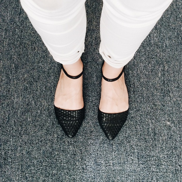 ceaadabe1c4 Blowfish Shoes - Ankle Strap Pointed Toe Flats - Black