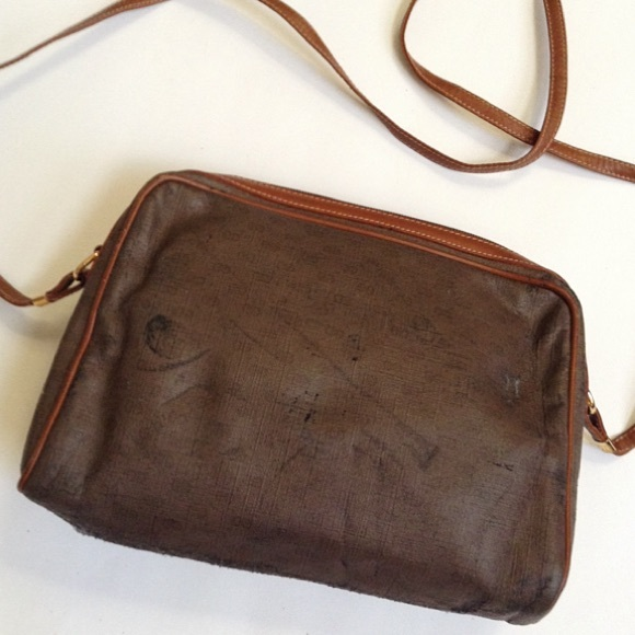Gucci Bags - {Gucci} Vintage Monogram Crossbody Bag