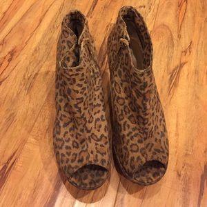 Forever 21 leopard peep toe wedge heel