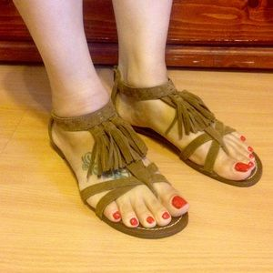 Minnetonka Fringe Sandals