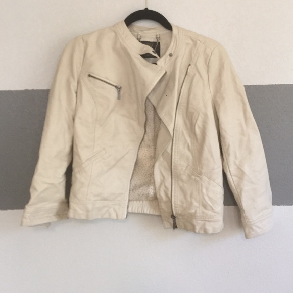 52% off Zara Jackets & Blazers - LAST CHANCE Cream Faux Leather ...