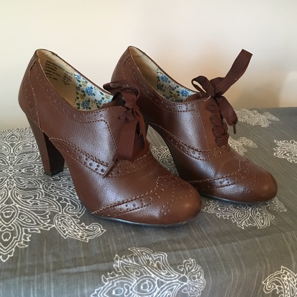 a162d4836687 American Eagle by Payless Shoes - Brown lace up heels