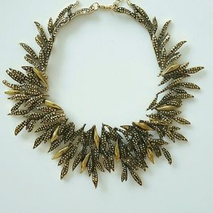 Jewelry - Gold collar statement necklace