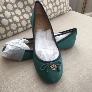 Brand new in box Chelsea Ballet flats Tory Burch