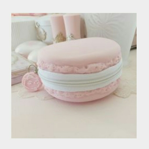 Etude House Accessories Sale Etude House Strawberry Macaron Pouch