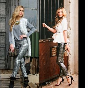 🎄Holiday Silver Sequin Sparkle  Leggings💋