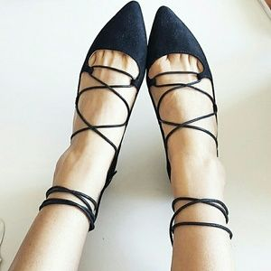 Chinese Laundry Shoes - Chinese Laundry tie up lace pointy toe flats
