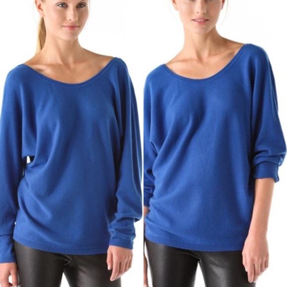 82cc49a3c88 ... Cashmere V-Back Sweater. M 563a42286ba9e6859003565d