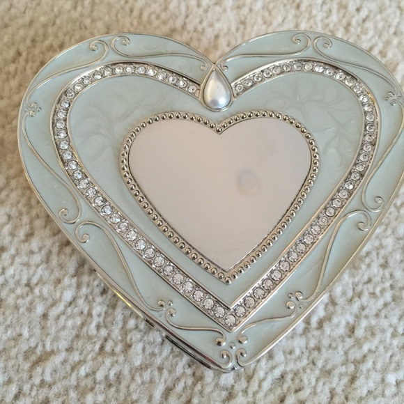 73 off Things remembered Jewelry Silver Heart Box Poshmark