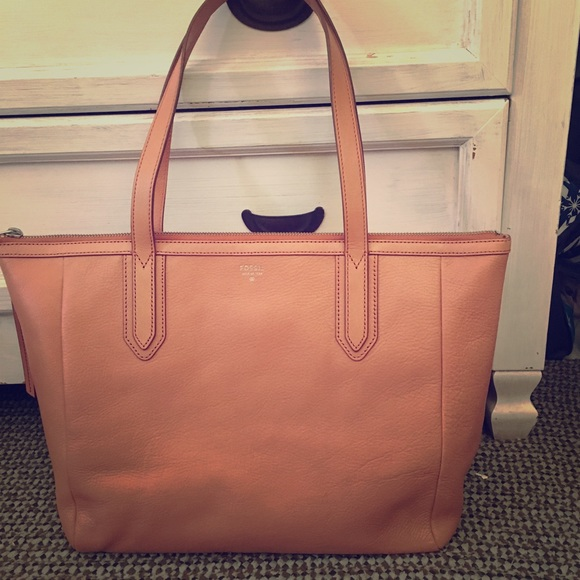24% off Fossil Handbags - Sale! 🎉New! Large Fossil Rose gold Tote ...