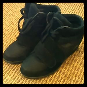 Wanted Shoes - Sneaker Wedges