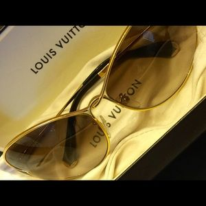 Authentic Louis Vuitton sunglasses